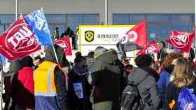 Trabajadores de Amazon ante el juzgado en septiembre de 2018.