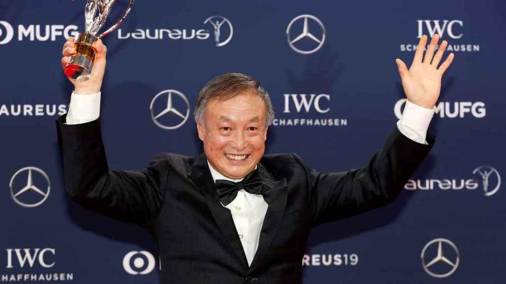 Xia Boyu, doble amputado que escaló el Monte Everest, tras recibir su Premio Laureus del deporte