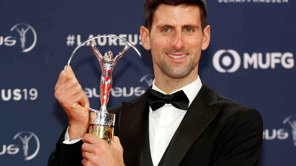 Novak Djokovic con su Premio Laureus