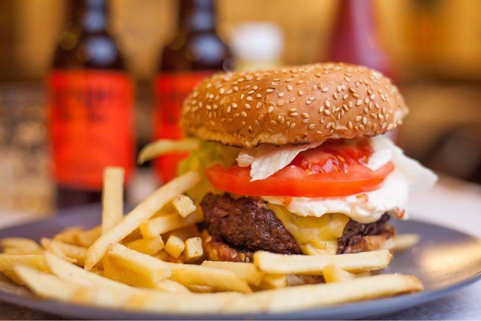 alfredos-barbacoa-hamburguesa-01