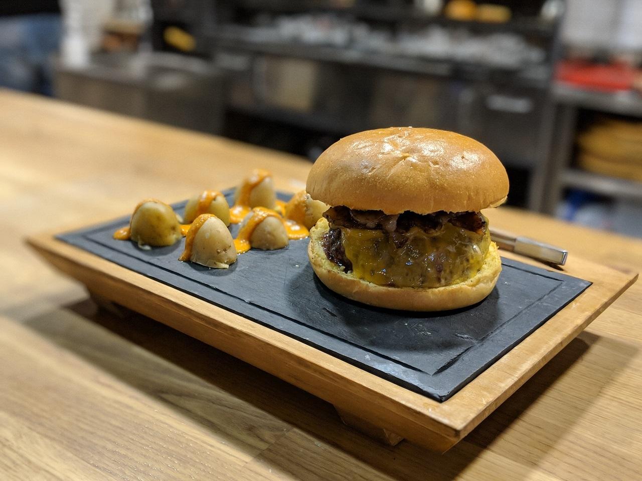 juanchos-hamburguesa-01