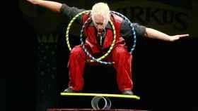 Un equilibrista de circo en una imagen de archivo.