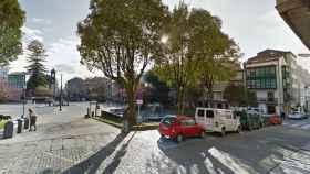 Imagen del parque infantil situado en la plaza Amboage de Ferrol.
