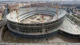 El estadio Nuevo Mestalla solo con el esqueleto