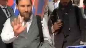 Messi y Suárez saludan al niño hospitalizado en Barcelona