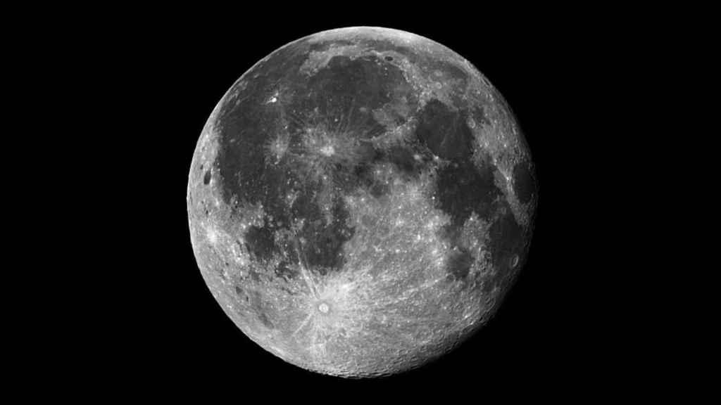 """Superluna: Así es la """"luna de nieve"""": el fenómeno astronómico que se verá  en todo el país"""