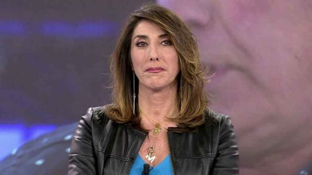 Paz Padilla rompe a llorar mientras presenta 'Sálvame'.