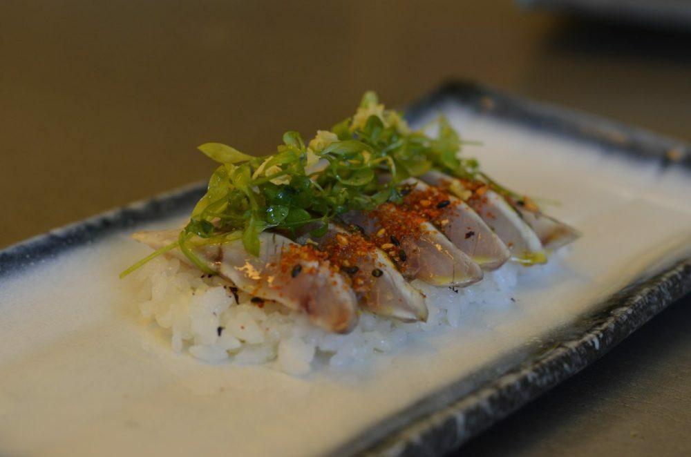 Kabutokaji - pescado sobre arroz