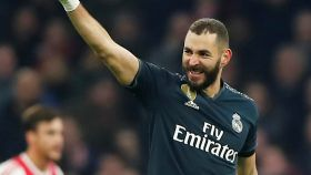 Karim Benzema celebra un gol con el Real Madrid en la Champions League