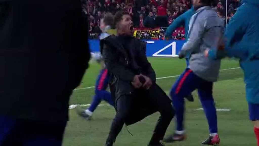 Polémica celebración de Simeone. Foto: Twitter (@chirichampions)