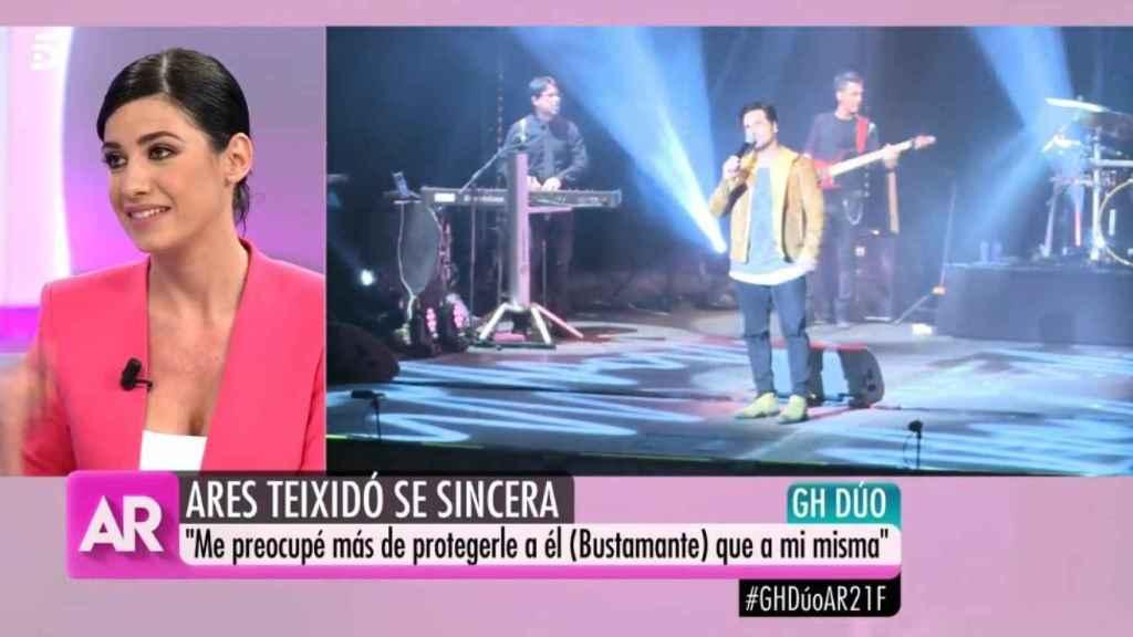 Ares Teixidó, respondiendo a las preguntas de los colaboradores del programa de Telecinco.