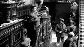 El teniente coronel Tejero irrumpe en el Congreso de los Diputados durante la investidura de Calvo Sotelo