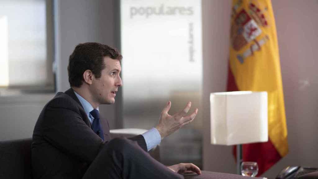 Pablo Casado, durante un momento de la entrevista.