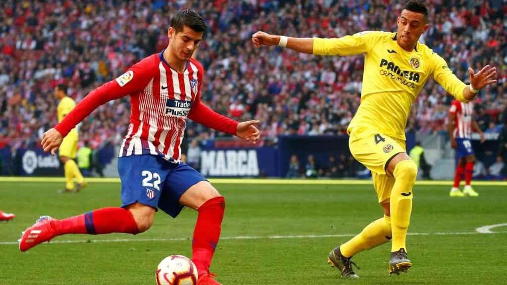 Morata dispara a puerta en el Atlético - Villarreal