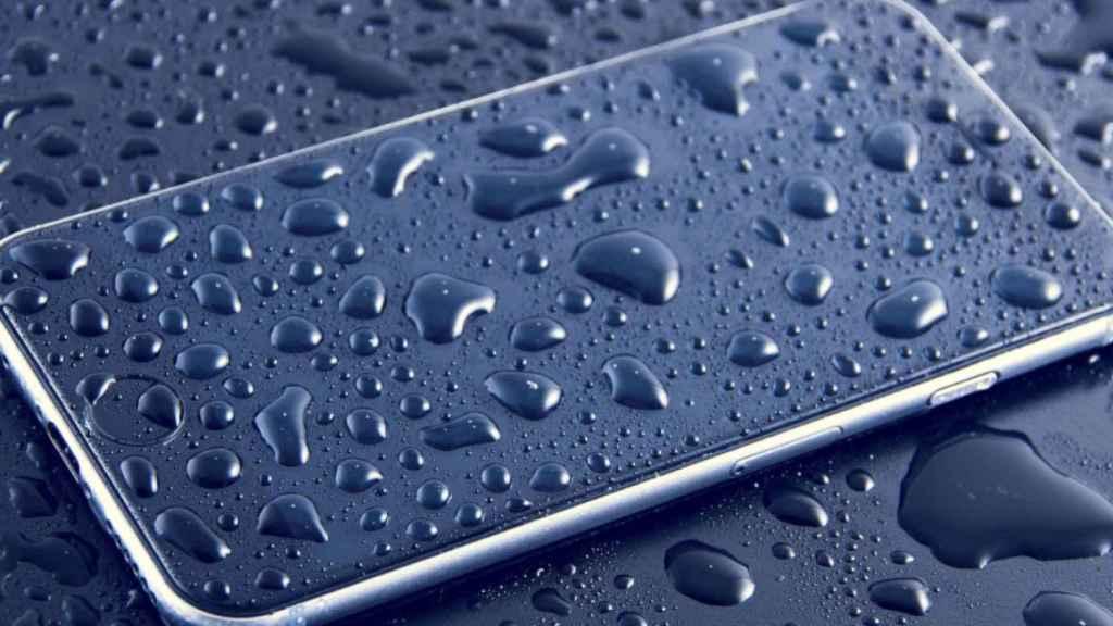 telefono mojado