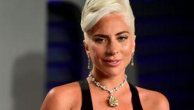 Lady Gaga luciendo un diamante Tiffany