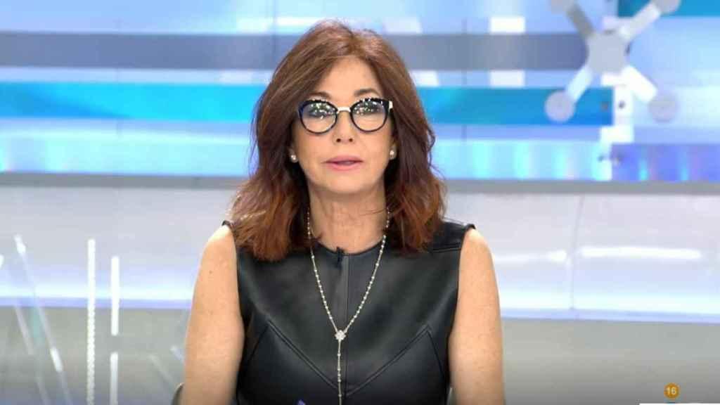 Ana Rosa Quintana al frente de su programa en Telecinco.