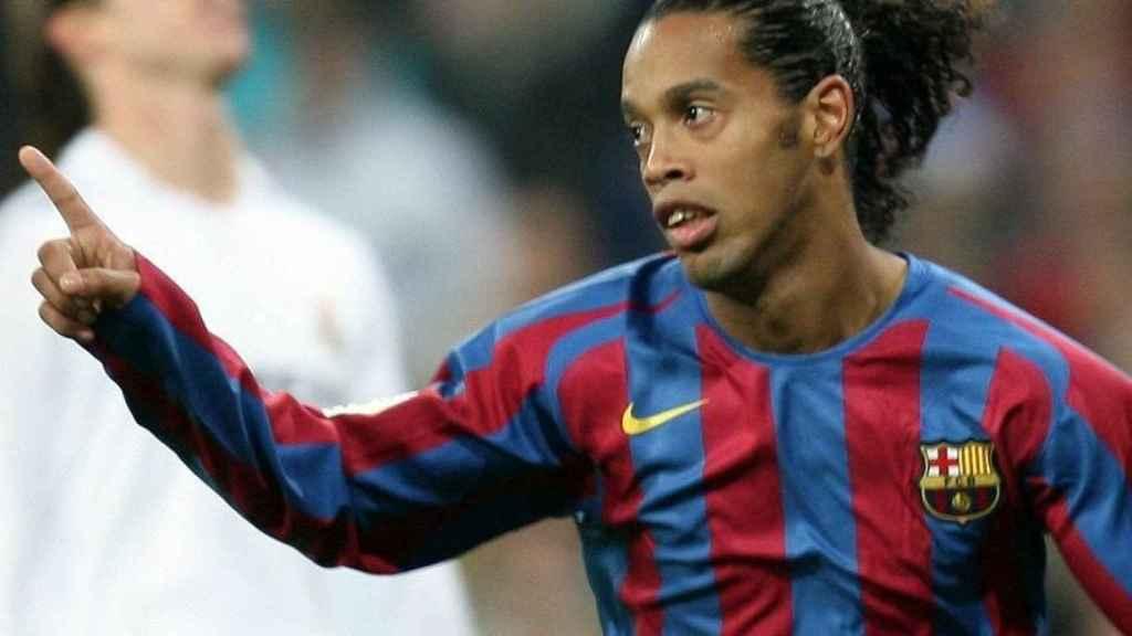 Ronaldinho, en la noche que fue ovacionado en el Santiago Bernabéu