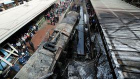 El tren que ha sufrido el choque y la posterior explosión.