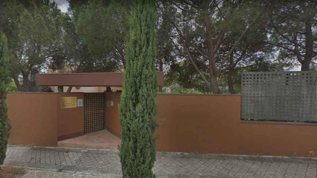 Fachada exterior de la embajada norcoreana en Madrid.