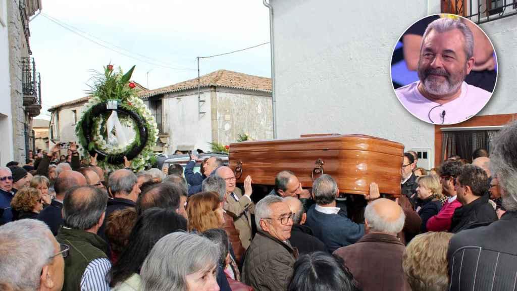 Amigos y familiares de José Pinto trasladando el féretro por las calles de su localidad salmantina.