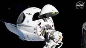 spacex crew dragon capsula estacion 1