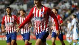 Morata celebra uno de sus goles en el Real Sociedad - Atlético de La Liga