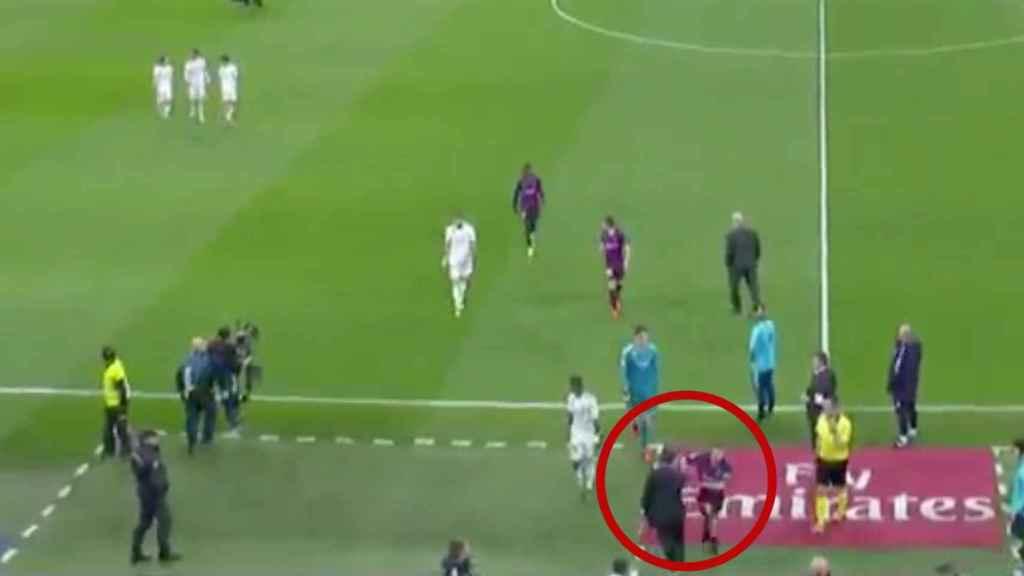 Jordi Alba empuja a Chendo