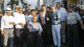 Guaidó posa con Lenin Moreno, presidente de Ecuador, este domingo en Salinas.