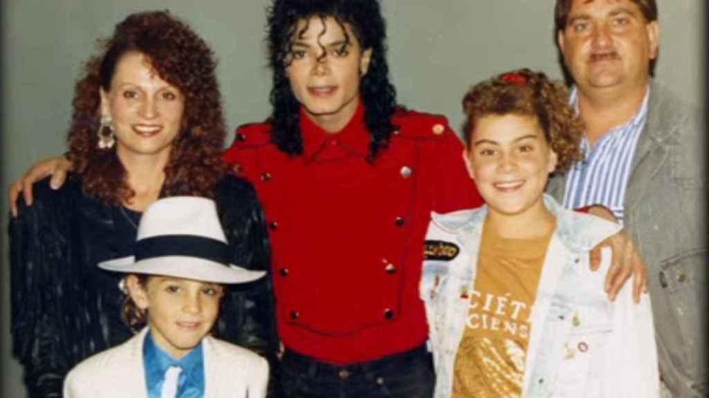 Michael Jackson con Wade y su familia.
