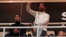 Sergio Ramos en el palco del Santiago Bernabéu siguiendo el Real Madrid - Ajax