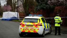 Dispositivo policial tras un apuñalamiento a un joven de 17 años en Manchester.