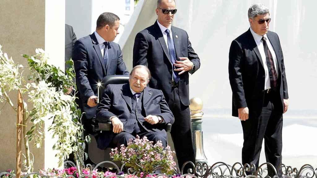 Bouteflika abandonará la Presidencia de Argelia tras cuatro mandatos.