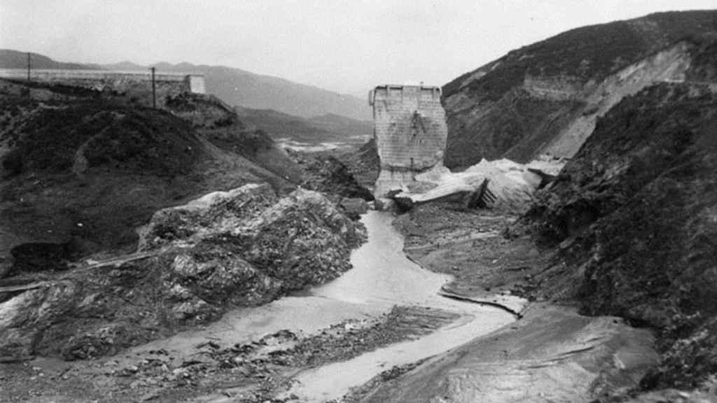 Imagen de los restos de la presa después del derrumbe