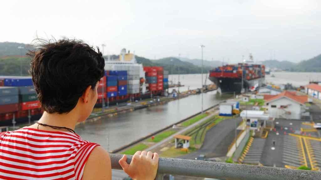 Las esclusas de Miraflores son un punto ideal para contemplar el trasiego del Canal de Panamá.