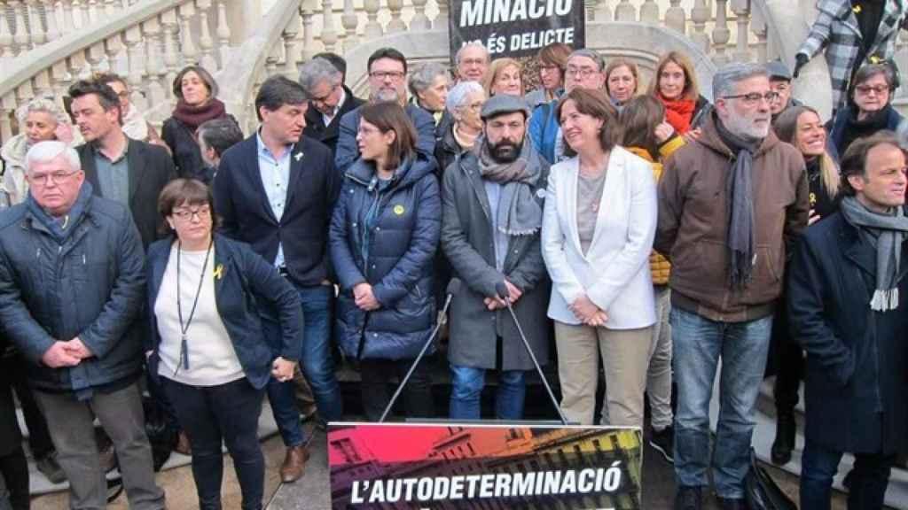 Jaume Asens (dcha.), con los representantes de ANC, ERC, CUP, Òmnium y PDeCAT en la presentación de la marcha del 16-M en Madrid.