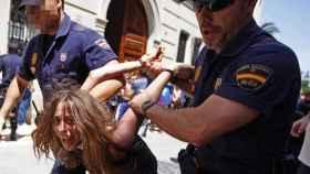 María, la madre de los dos niños muertos en Godella, detenida durante las movilizaciones del 15-M.