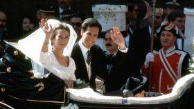 Elena de Borbón y Jaime de Marichalar recién casados