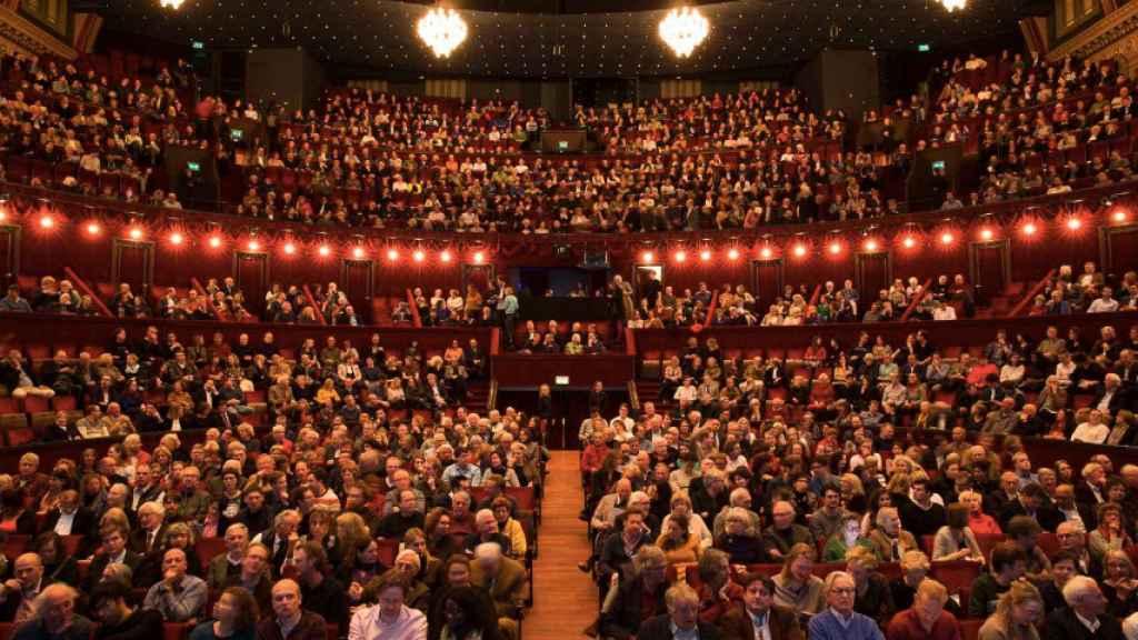 El Teatro Royal Carré acogió la representación de 'Looking for Europe'