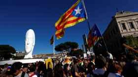 Manifestantes, a su paso por la plaza de Colón de Madrid.