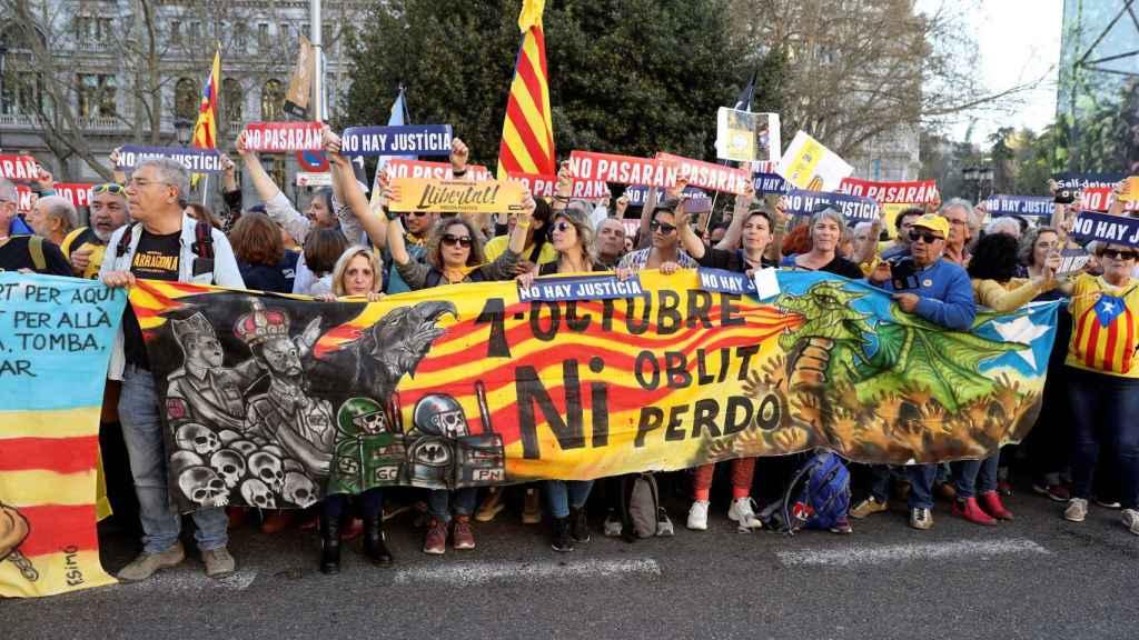 Manifestantes independentistas, en las calles de Madrid.
