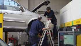 Mecánicos del taller Pérez Illán