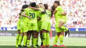 Las jugadoras del Barcelona celebran la victoria ante el Atlético de Madrid. Foto: Twitter (@FCBfemeni)