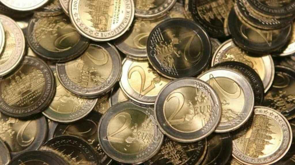 Imagen de archivo de varios euros.
