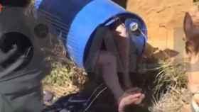 En la imagen, captura de cómo la Guardia Civil encontró a la mujer acusada de asesinar a sus dos hijos en Godella.