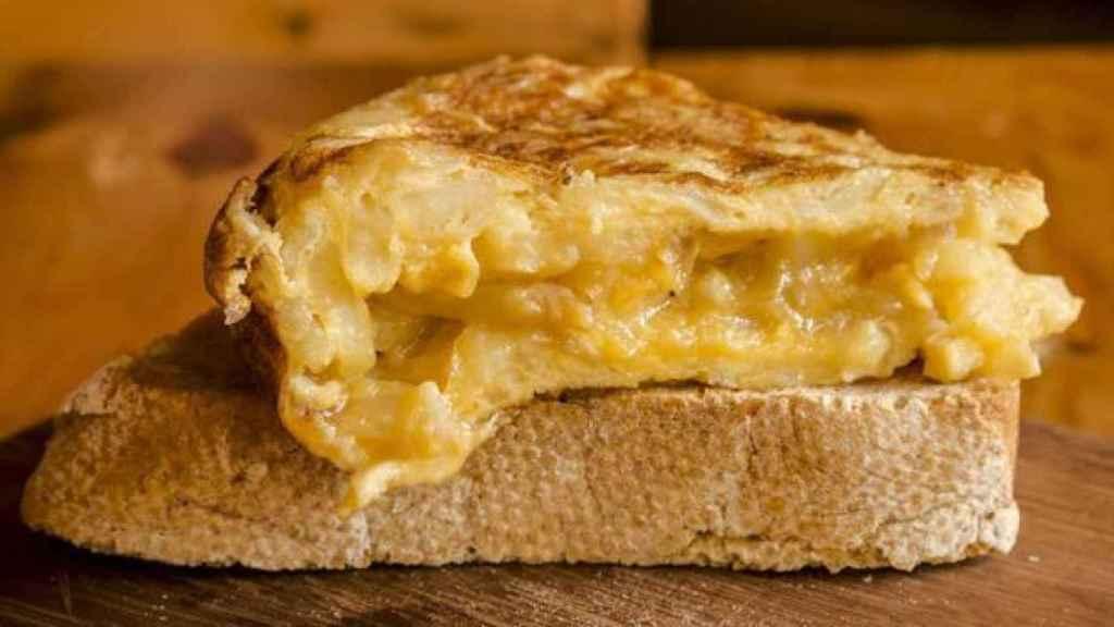 El peligro que se esconde en un inocente y jugosito pincho de tortilla