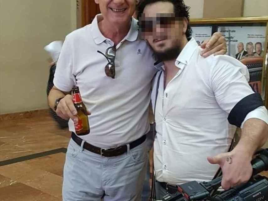 Julio Montemayor junto al humorista Josema Yuste.