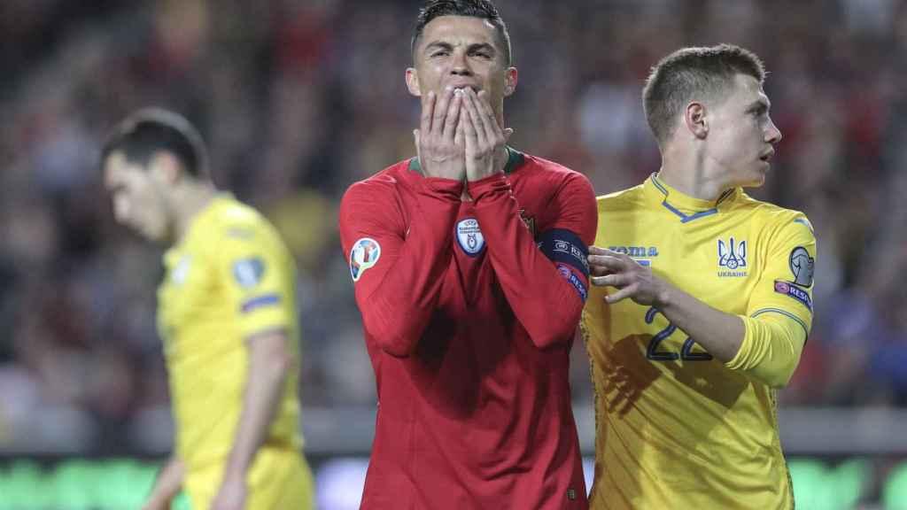 Cristiano Ronaldo se lamenta de una ocasión fallida
