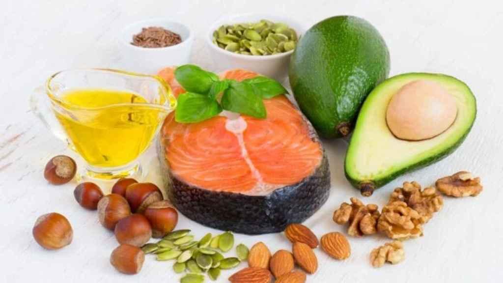 Un 'bodegón' de alimentos ricos en grasas saludables.