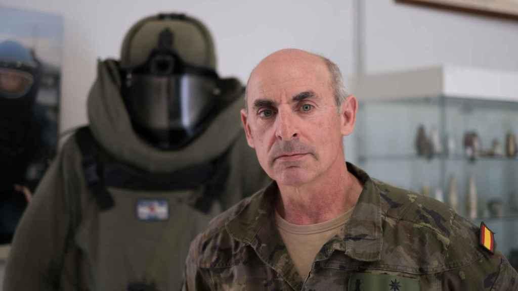El comandante Aguado, uno de los mayores expertos en el país en la labor de desminado y desactivación de bombas.